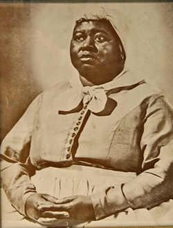 black women slaves cooking and serving for the masters and the history of the mammy caricature Throughout history, african american women have been stereotyped into three major personas: sapphire, jezebel, and mammy all of the stereotypes were popular roles in a movie or television show.