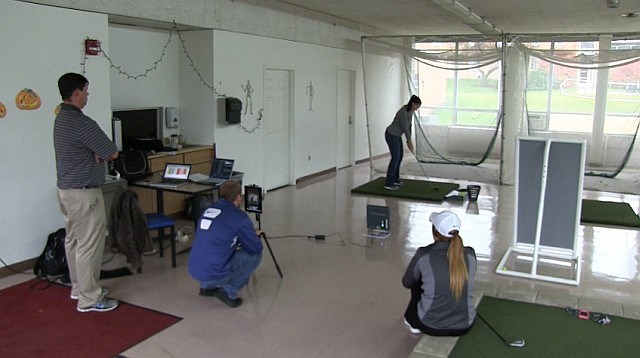 Indoor golf range